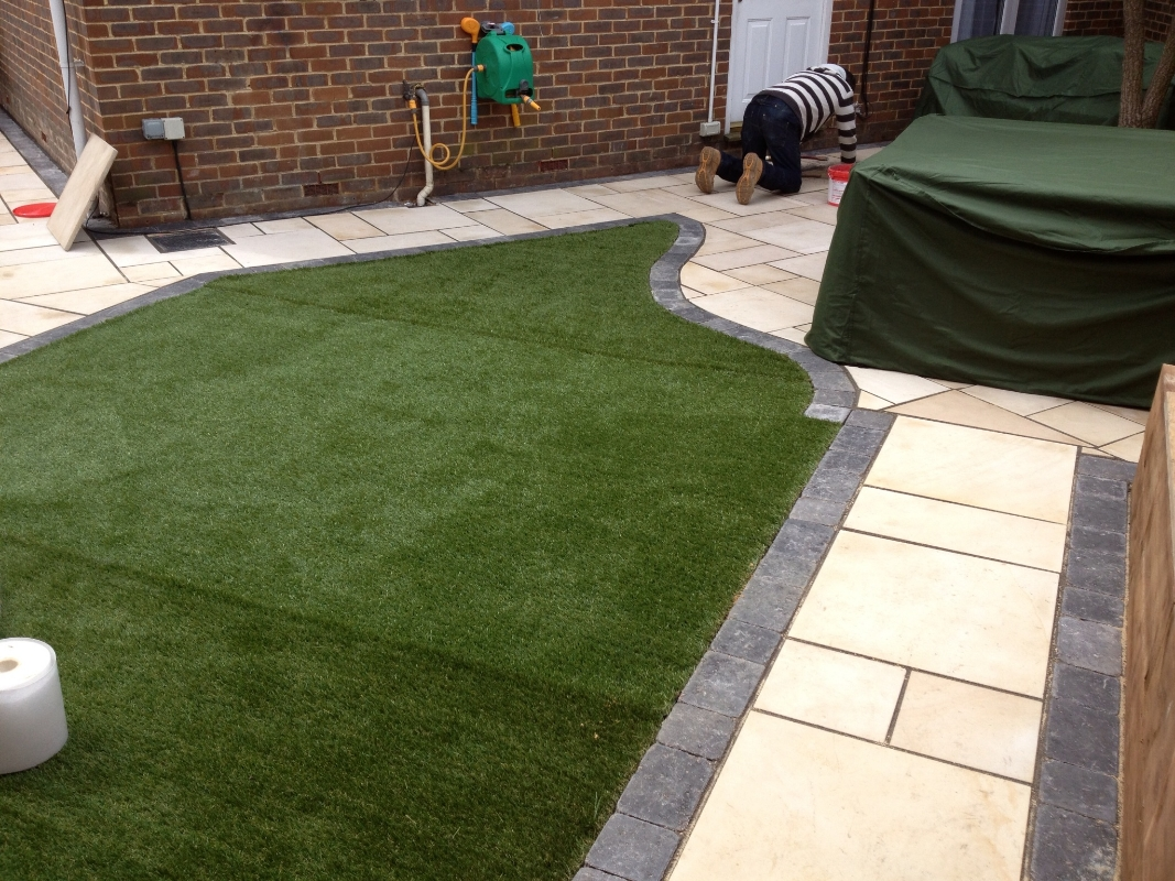 Patios Essex | Patio Paving Romford, Ilford, Barkingside ... on Paving Ideas For Back Gardens id=16520